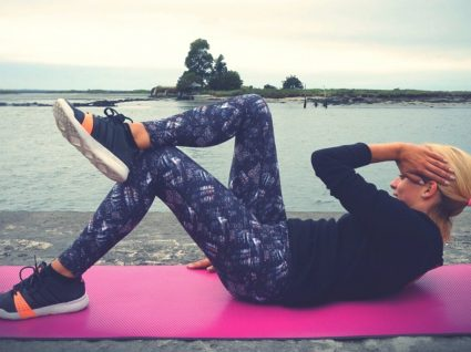 5 Exercícios de abdominais by Vanessa Alfaro