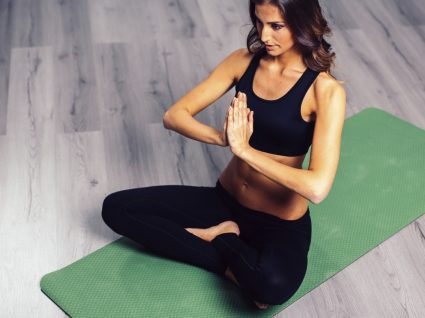 4 Exercícios de relaxamento para momentos de stress