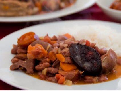 Feijoada à Portuguesa: tradição à mesa