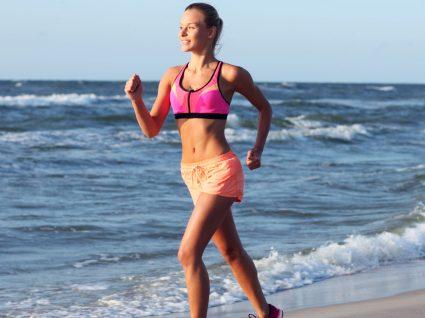 Conjuntos para treinar na praia: para um treino relaxante cheio de estilo