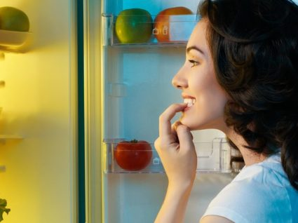 Saiba o que comer durante o dia para não ter fome à noite!