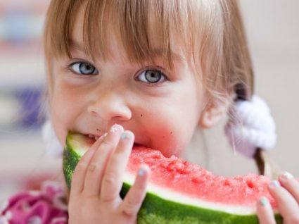 6 Dicas para fazer com que as crianças gostem de frutas e legumes
