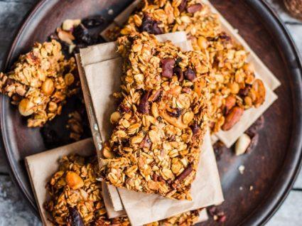 Snacks pouco saudáveis que estão a prejudicar a sua dieta