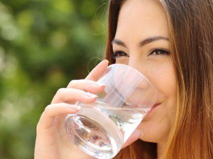 Beber água às refeições: sim ou não?