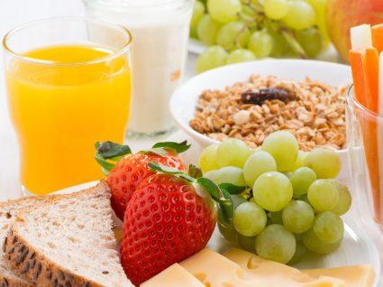 Os melhores alimentos para aumentar a concentração nas crianças