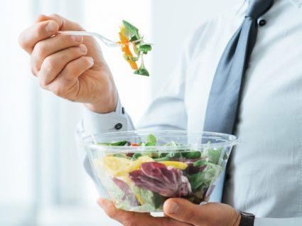 4 Dicas para conseguir fazer uma alimentação saudável na correria do dia-a-dia