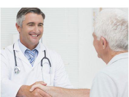 Hemorroidas: médico especialista