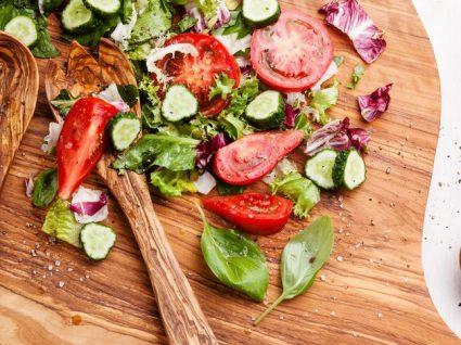 Estes são os 8 alimentos que não deve colocar na sua salada