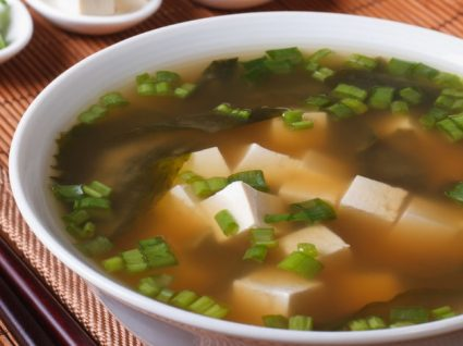 Sopa de miso: conheça esta típica receita japonesa