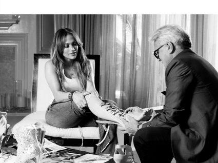 Jennifer Lopez e Giuseppe Zanotti em coleção de sapatos