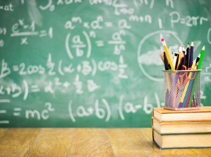 Livros escolares gratuitos: saiba onde os encontrar