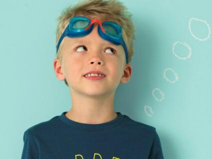 10 Looks de praia para meninos cheios de estilo