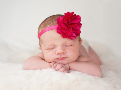 20 Nomes bonitos para menina e a sua simbologia