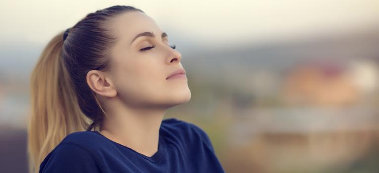 relaxar de olhos fechados