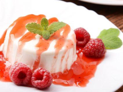 Panacota de frutos vermelhos: 4 ideias que não vai resistir!