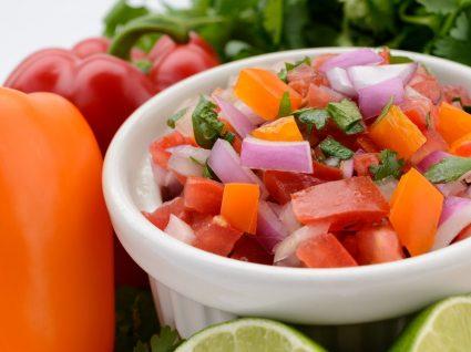 12 Opções de molhos saudáveis para saladas