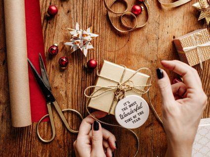 Prendas de Natal com material reciclado