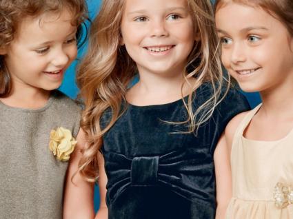 Roupa de criança para vestir no natal com descontos até 30%!