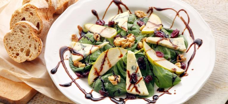 salada crocante de pera