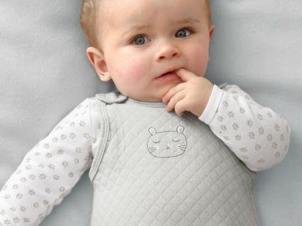 Saldos: roupinhas para levar o bebé a passear