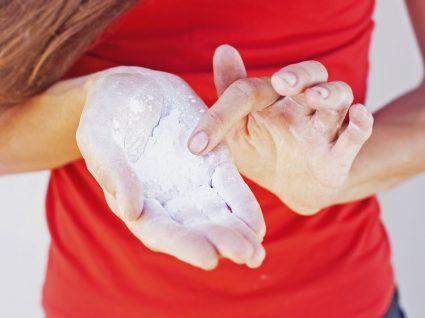 Tudo o que precisa de saber sobre shampoo seco