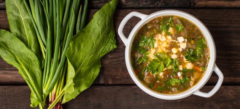 sopa de grao e espinafres