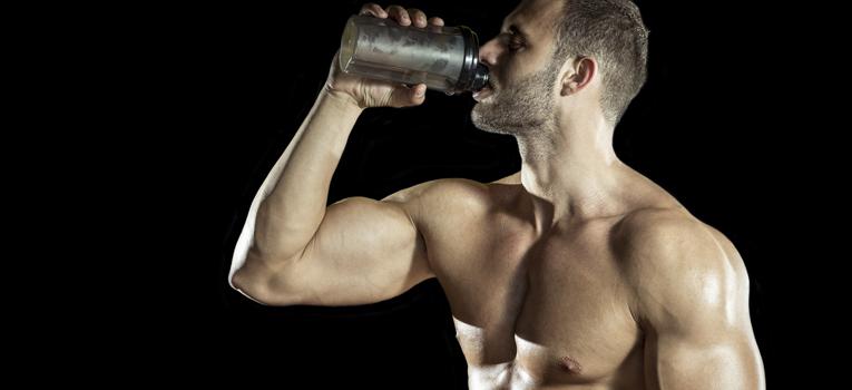 Atleta batido de proteína