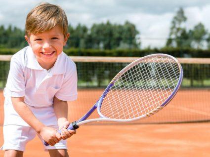 Tendência desportiva para meninos sem perder o estilo