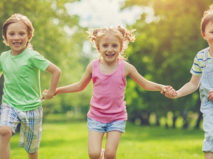 """""""Consigo sozinho"""": roupa fácil de vestir para crianças mais autónomas"""