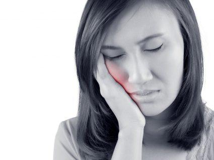 Tudo o que deve saber sobre a celulite facial