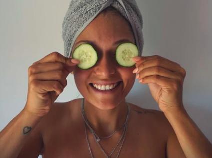 Tratamentos caseiros para as olheiras by Vanessa Alfaro