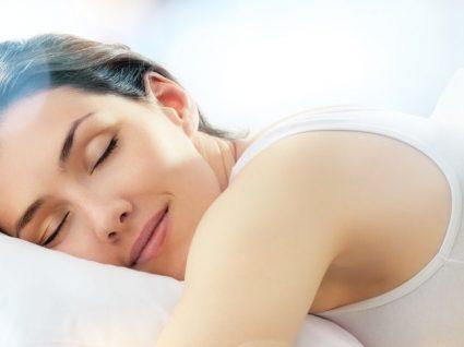 Dormir 7 horas por dia: que relação pode ter com a alimentação?