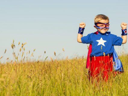 Roupa de criança: tendência super-heróis e princesas