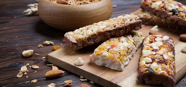 alimentos que têm muito açucar: barras de cereais