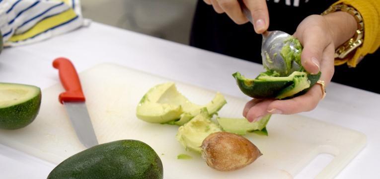 showcooking de receitas sem gluten mousse de cacau e abacate