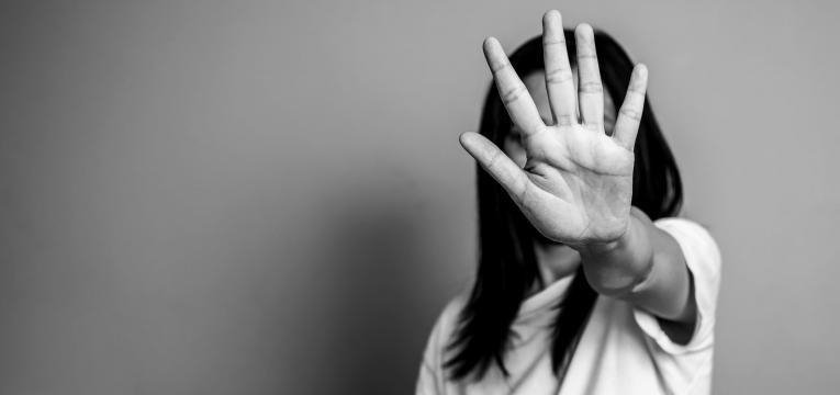 ativismo contra a violencia de genero stop violencia domestica