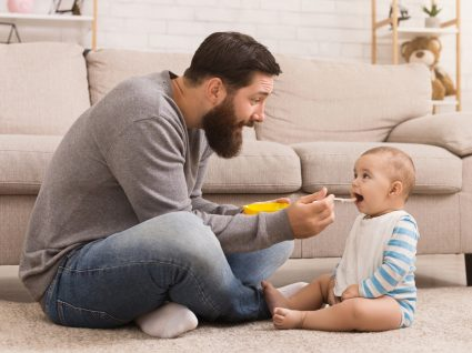 Alimentação do bebé de 10-11 meses: conheça as novas recomendações