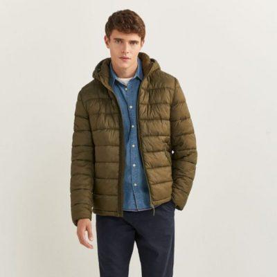rapaz com casaco
