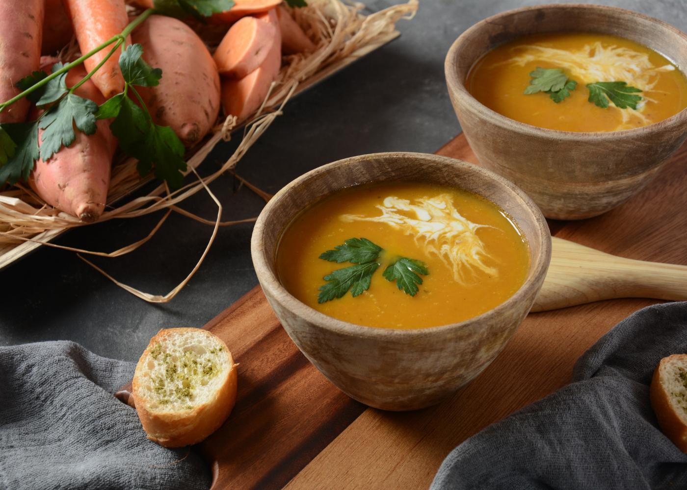 sopa de batata-doce com leite de coco