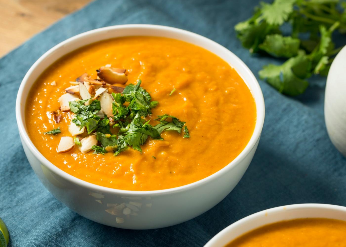 Sopa de batata-doce e gengibre