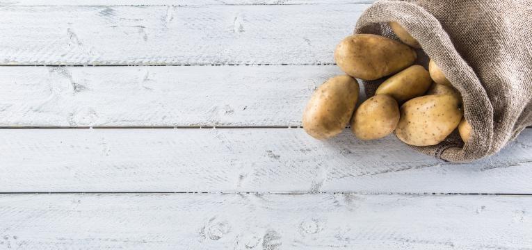 alimentos com gluten batatas em saco