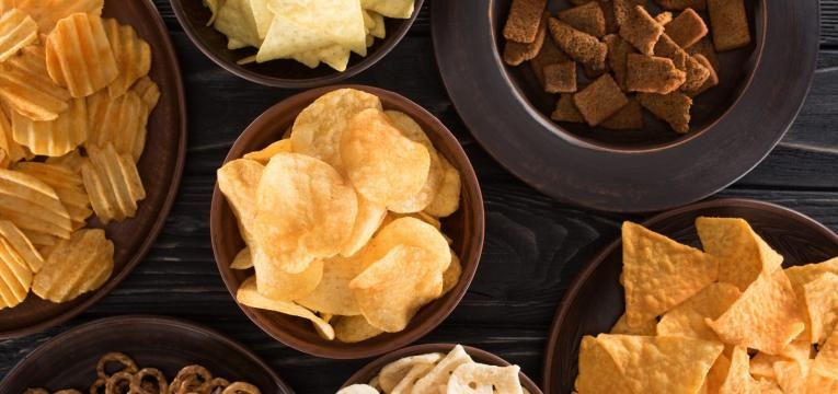 alimentos com gluten snacks salgados