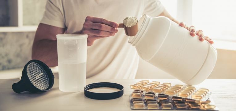 proteína em excesso faz mal aos rins