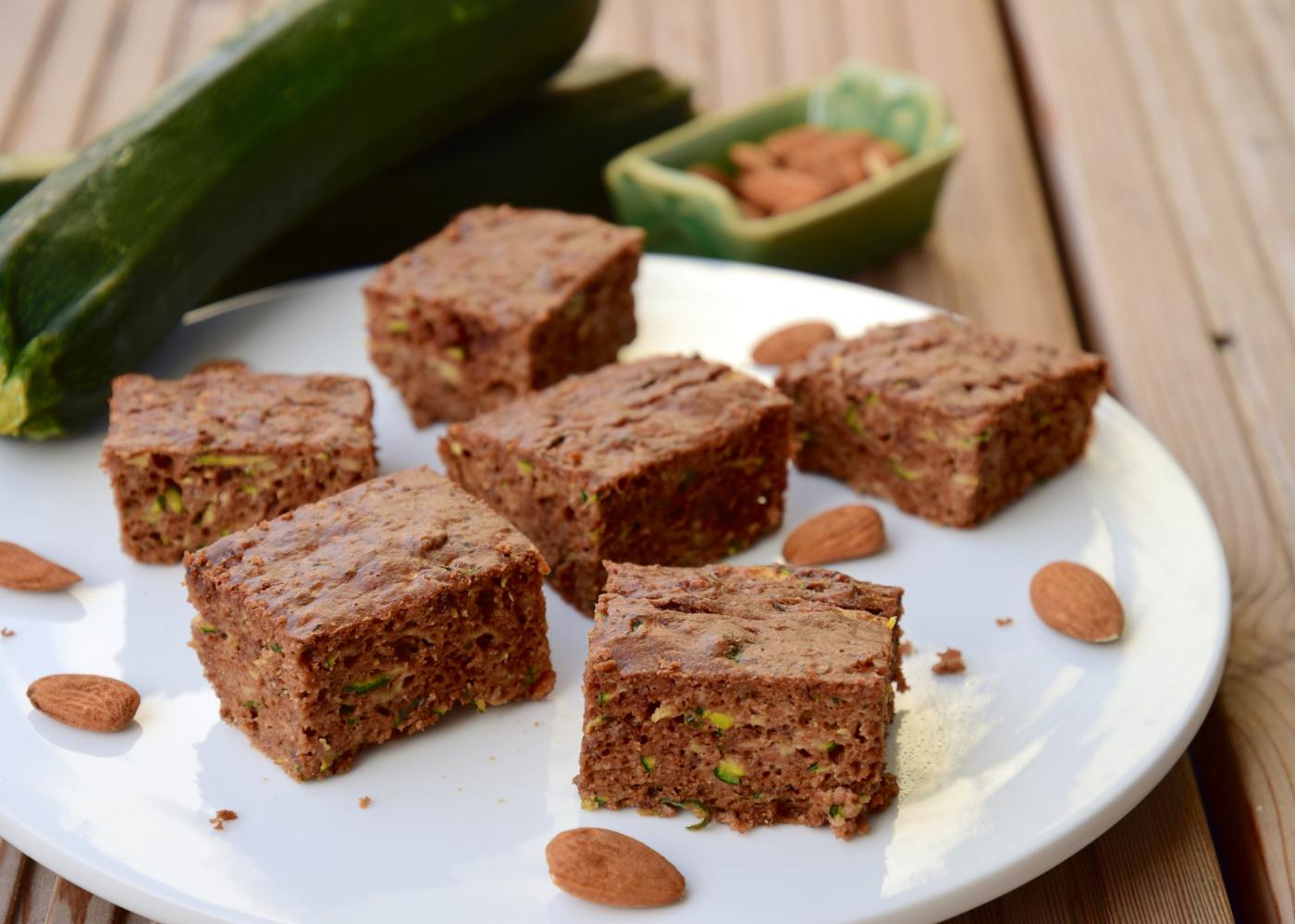 bolo de chocolate humido para pequeno almoco