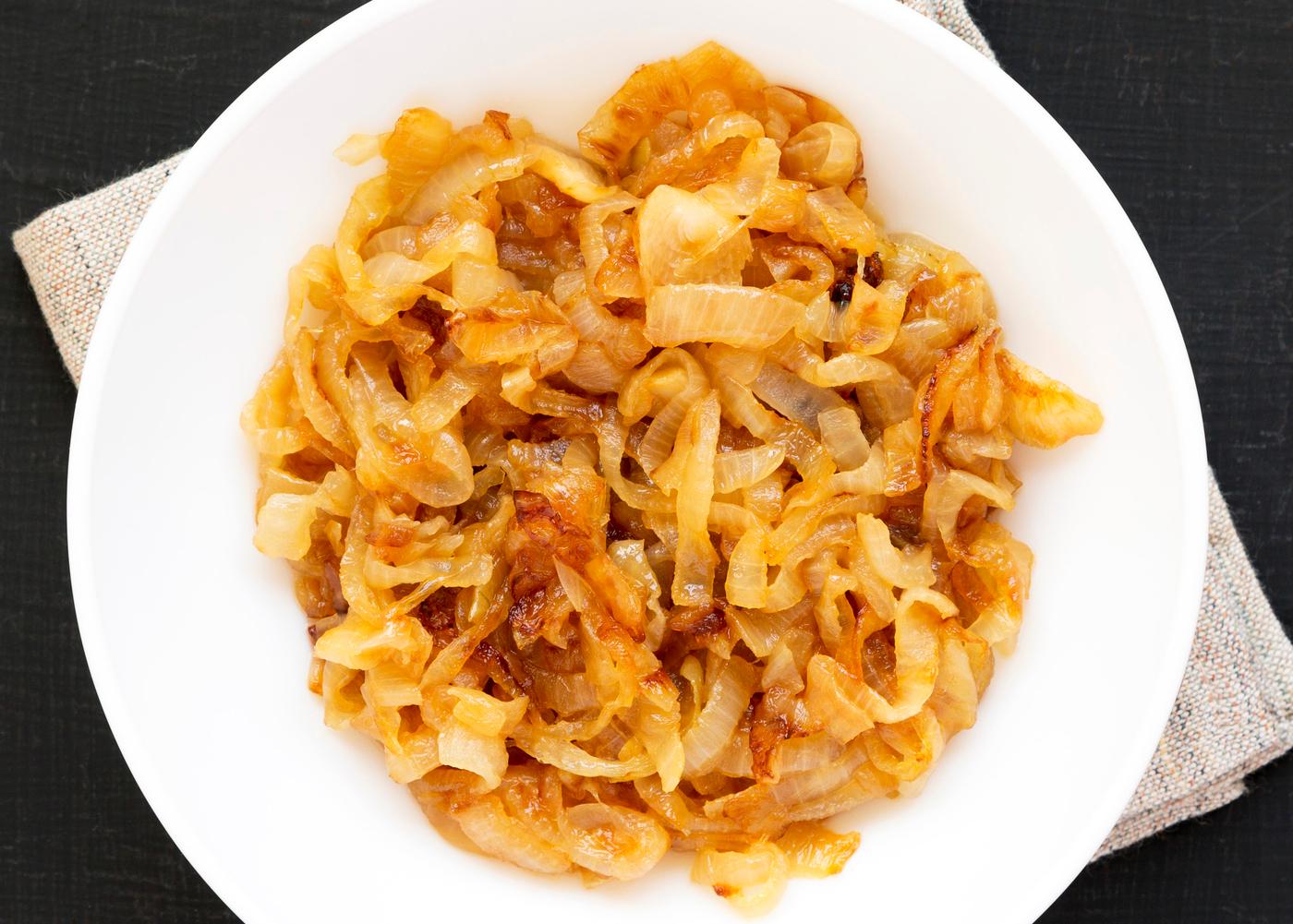 prato com cebola caramelizada e mel
