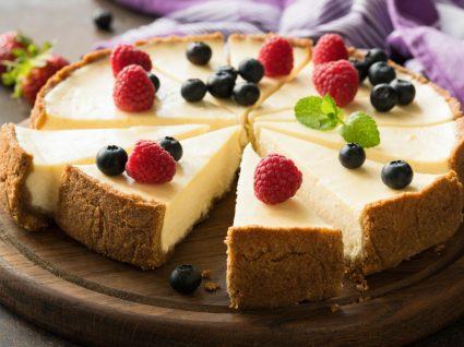 Cheesecake no forno: 3 receitas cremosas e cheias de sabor