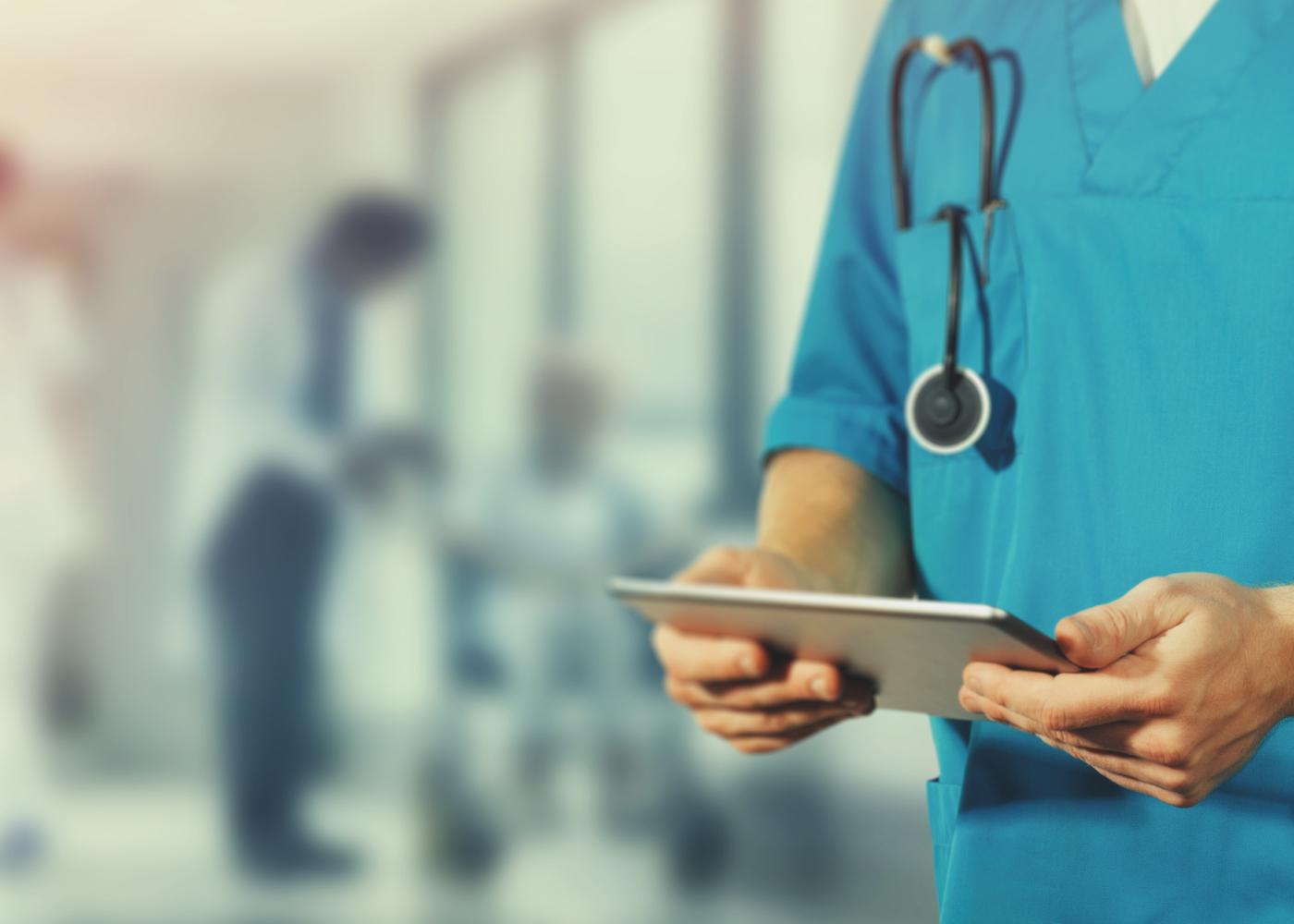 Médico a ver diagnóstico