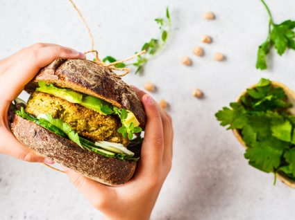 receitas de legumes para crianças: hamburguer com abacate