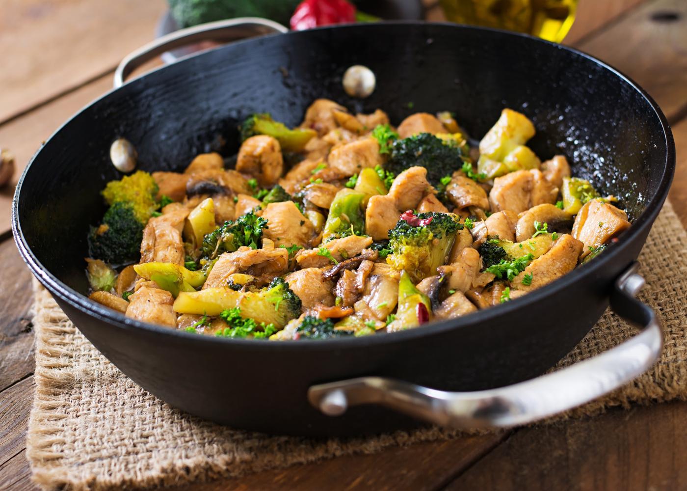 marmita saudavel legumes salteados com frango