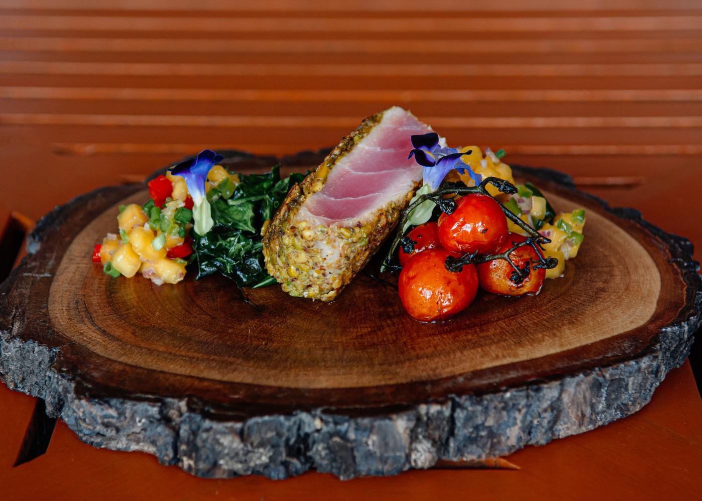 varias receitas com atum fresco